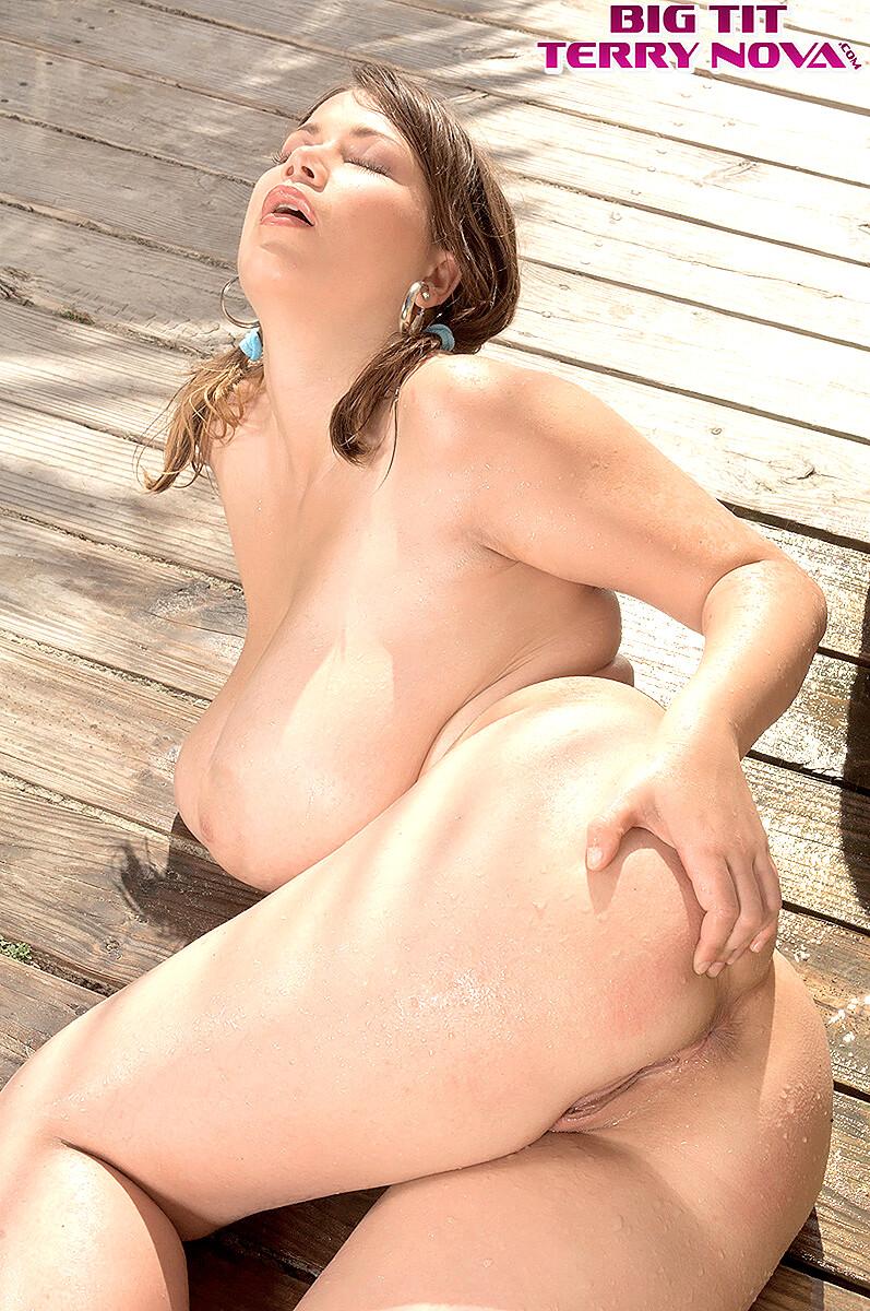 Nova nude terry Terry Nova